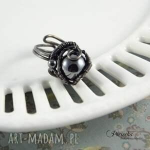 unikalne pierścionki miedź mars - pierścionek z hematytem