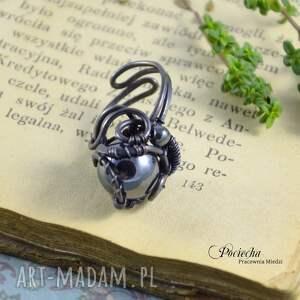 czarne pierścionki miedź mars - pierścionek z hematytem