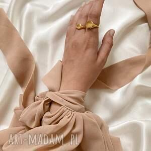 pierścionki sygnet masywny z różowego złota