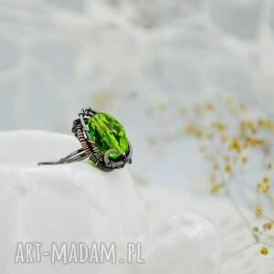intrygujące pierścionek duży meadow green