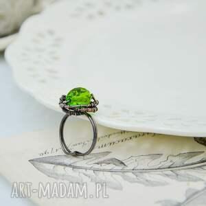 intrygujące pierścionek stworzony ręcznie z miedzi