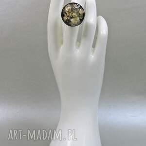 białe kwiaty 0546/ mela pierścionek