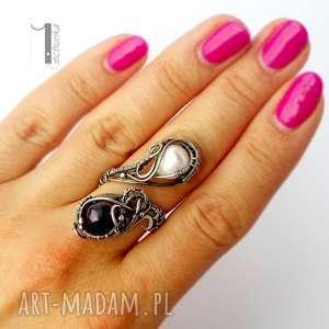 pierścionki perły monochrome v - srebrny pierścień z
