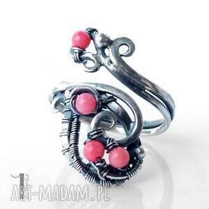 srebrne pierścionki regulowany motyle i srebrny pierścionek