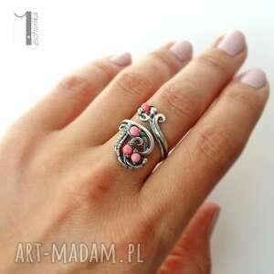 pierścionki srebro motyle i srebrny pierścionek