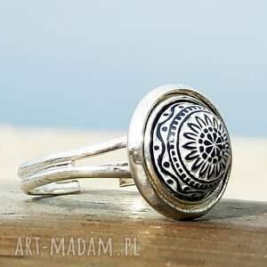 pierścionki biały mozaikowy pierścionek regulowany