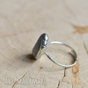 Niebieski kwarc - pierścionek prezent dla niej