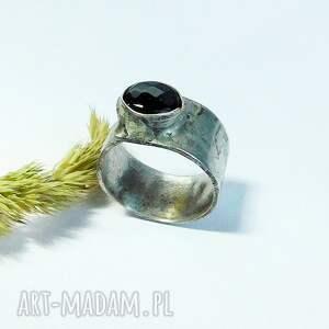 niepowtarzalne pierścionki onyks - pierścionek