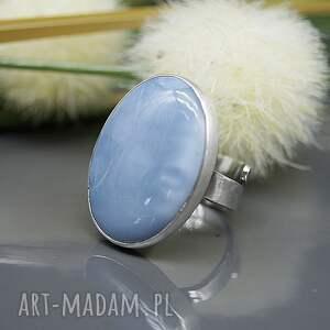 opal niebieski - pierścionek sahara