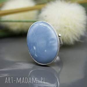 białe pierścionek opal niebieski - sahara