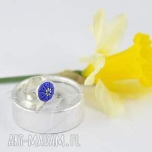 Oryginalny romantyczny pierścionek w kolorze ciemnoniebieskim - 2404 kobalt
