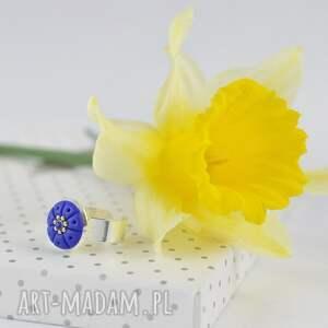 Green Sheep Colorino Oryginalny romantyczny pierścionek w kolorze ciemnoniebieskim - 2404 pierscionek