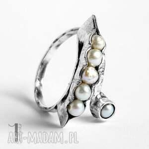 pierścionek pearly husk i srebrny