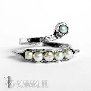 miechunka Pearly husk I srebrny pierścionek z perłami regulowany