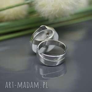 ciekawe naruralna perła słonowodna - pierścionek