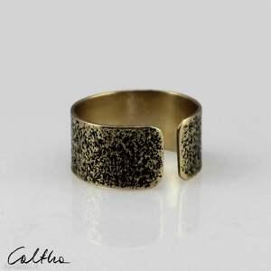 uniwersalny piasek - mosiężny pierścionek