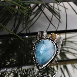 pierścień z-łezką z larimarem