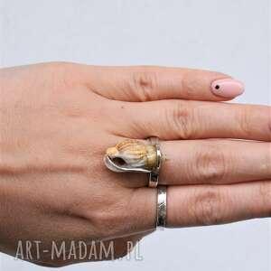 pierścień z muszelk&#261