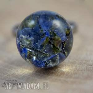pierścionek turkusowe kula z żywicy