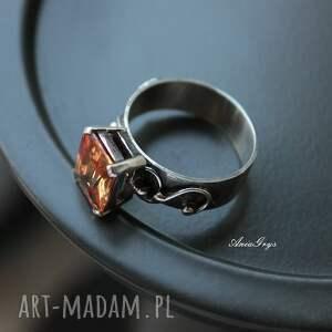 niekonwencjonalne srebrny pierścionek miodowy