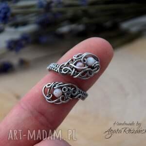 efektowne pierścionek regulowany opal różowy
