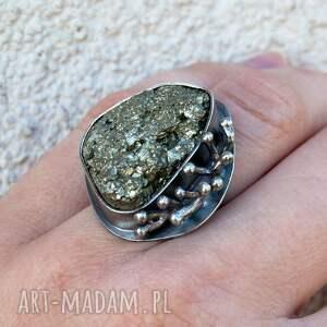 srebrne pierścionki pierścionek srebrny z surowym