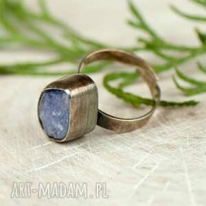 pierścionki pierścionek-tanzanit pierścionek srebrny z surowym