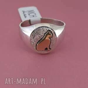sygnet pierścionek, ze złotym