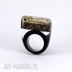 żywica pierścionek z brzozą i czarną