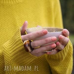 żywica pomarańczowe pierścionek z bursztynem i czarną