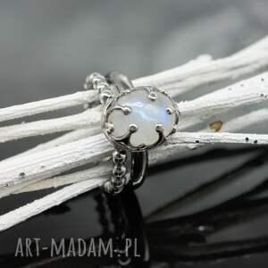 gustowne pierścionki pierścionek z kamieniem księżycowym