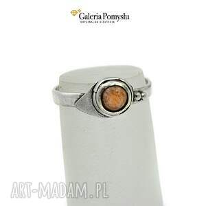 awangardowe pierścionki kamien pierścionek z kamieniem słonecznym