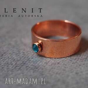 złote pierścionki swarovski pierścionek z kryształem