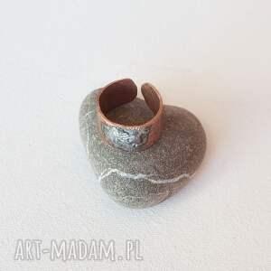 złote pierścionki pierścionek z oksydowanej miedzi