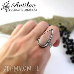 trendy pierścionki pierścionek z różowym opalem
