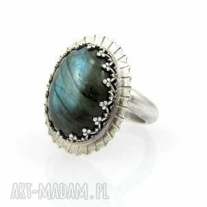 duży pierścionki niebieskie promienny