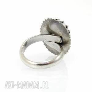 gustowne pierścionki duży promienny
