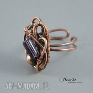 duży purple - pierścionek w