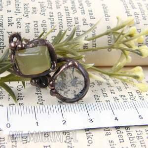 atrakcyjne regulowany pierścionek: z jadeitem