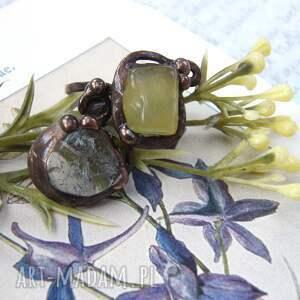 atrakcyjne kryształ górski regulowany pierścionek: z jadeitem