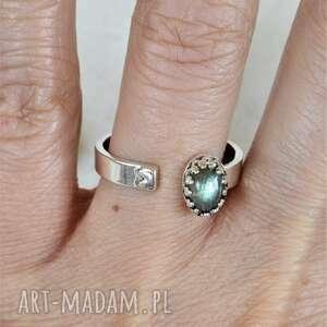 labradoryt regulowany pierścionek