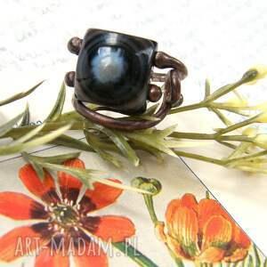 wyraziste regulowany pierścień pierścionek z