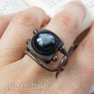 czarne pierścień z-kamieni regulowany pierścionek z