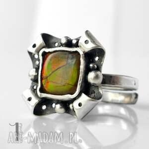 pierścionki ammolit retro kwiat z ammolitem ognistym