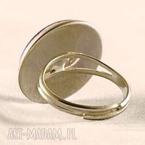 białe pierścionki retro róże - pierścionek regulowany