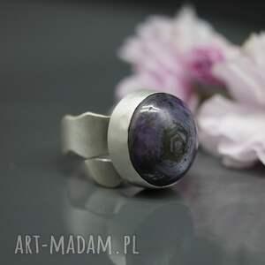 fioletowe pierścionek rubin gwiaździsty