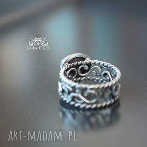 atrakcyjne pierścionek rubin z koronką