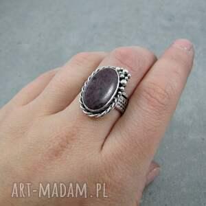 pierścionki duży rubinowa pianka