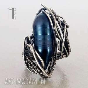 miechunka Skadi - srebrny pierścionek z perłą - wirewrapping perła