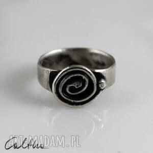 trendy pierścionki pierścień ślimak - srebrny pierścionek rozm.
